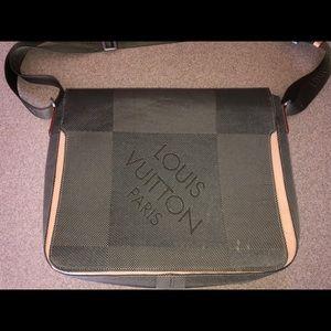 LOUIS VUITTON Damier Geant Messenger Bag Terre